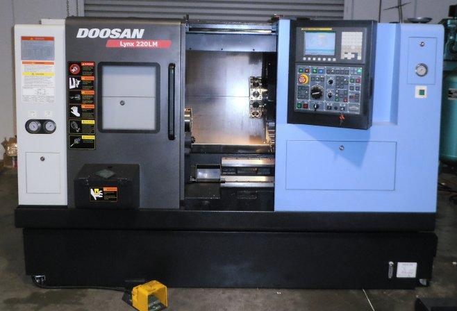 Used-doosan-model-lynx-220lm-cnc-lathe-w-fanuc-oi-cnc-control-p20703299 2