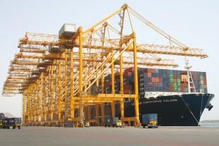 1424_liebherr-container-loading-bridge-port-khorfakkan-uae_img_310