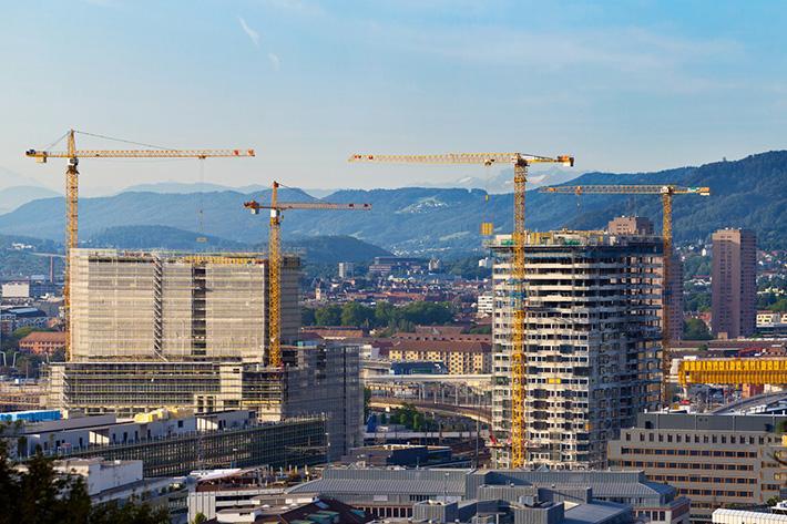 1424_liebherr-revolving-tower-crane