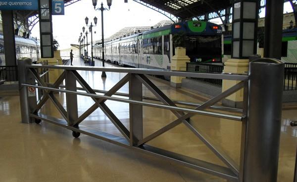 2107_barandas-Estacion-Central--600x369
