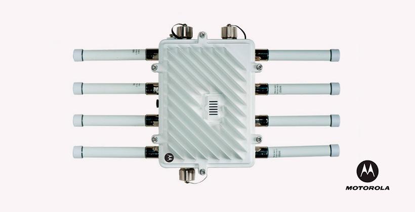 MWAN AP-7161 Front-w-antennas 0411