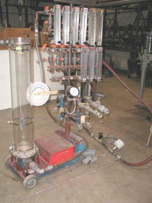 Jenike-Johanson-fluidization-column-apparatus
