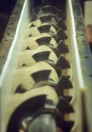 Blending-mixing-screw