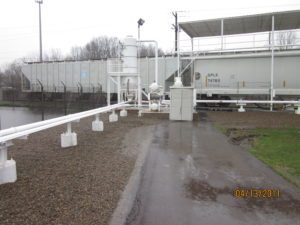 Railcar-plastics-unloading