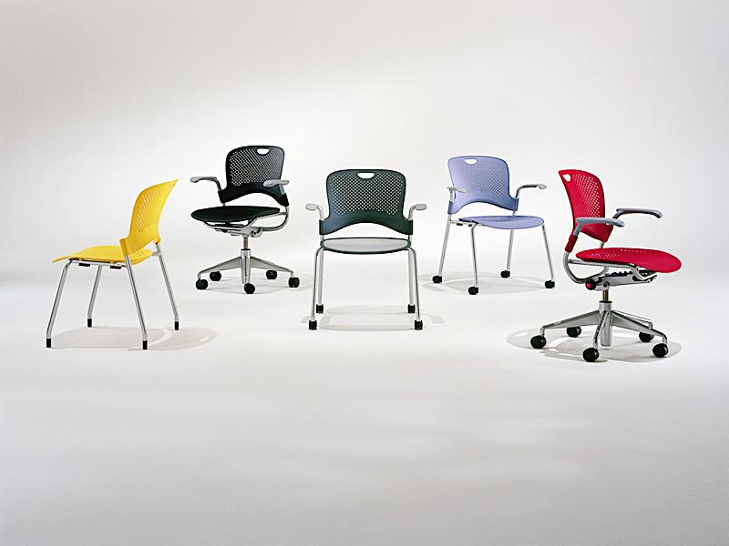 3364_fernando-mayer-sillas-uso-multiple-caper1