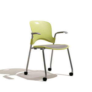 Fernando-mayer-sillas-uso-multiple-caper2