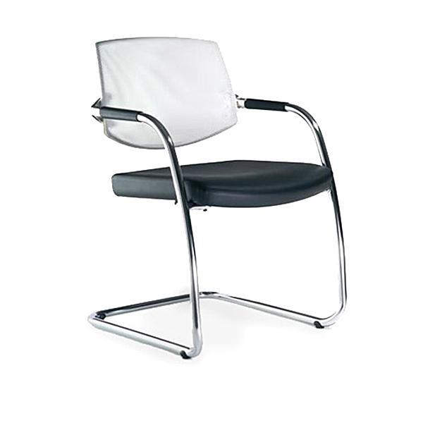 3364_fernando-mayer-sillas-uso-multiple-eura1