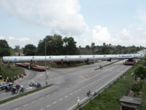 80-m-long-CD-Reaction-Column-maneuvering-a-tight-turn-en-route-in-Melaka-2 Tilt Web