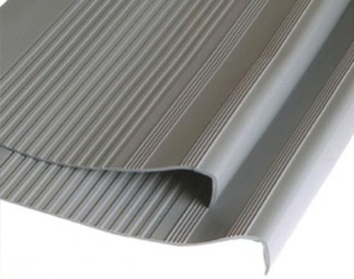 3550_Grada-Estriada-PVC-500x394-3