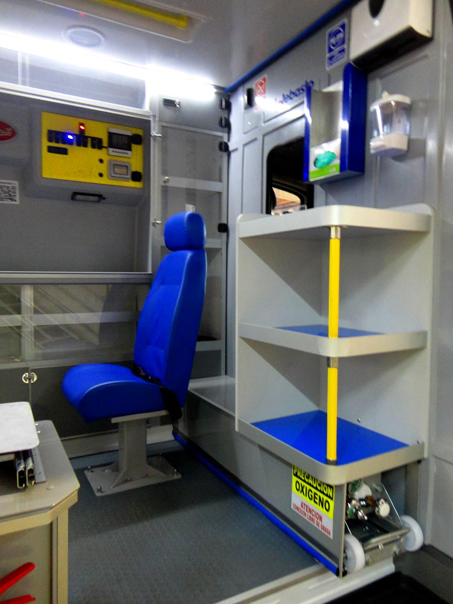 Ambulancia-sprinter-315-4-x-4-res-q