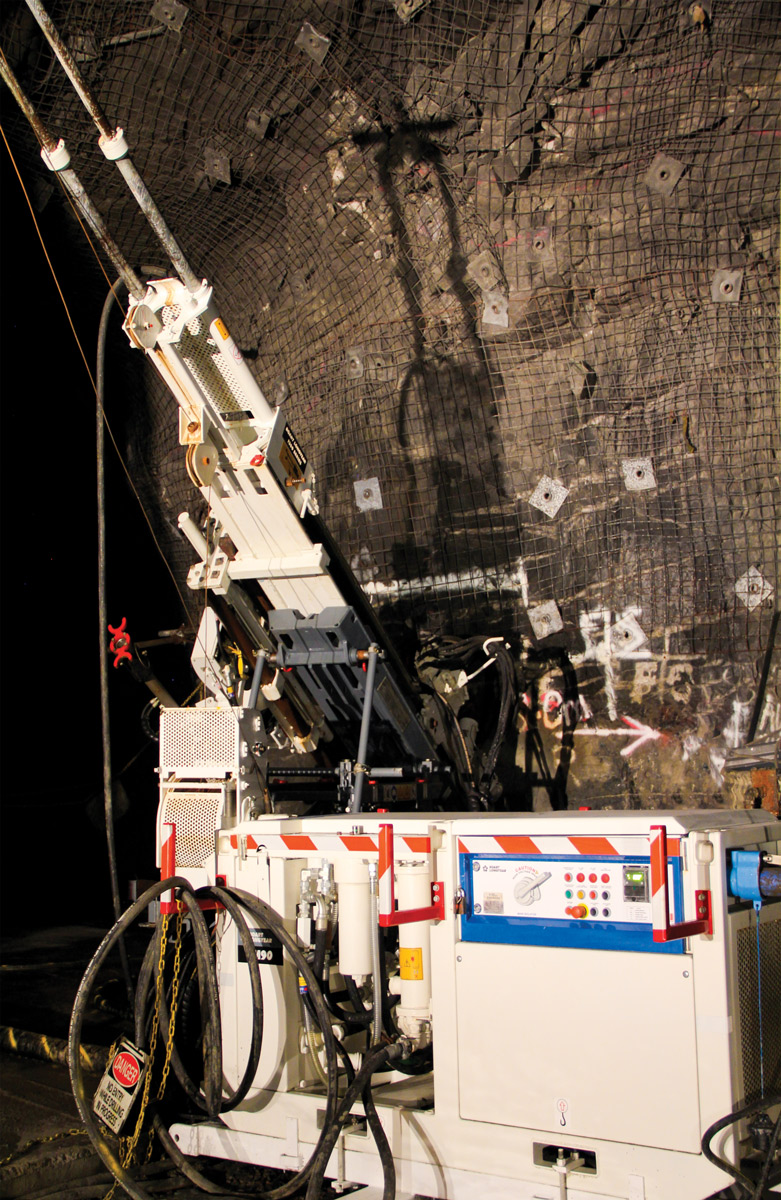 418_drilling_equipment_underground_coring_LM90_main_3